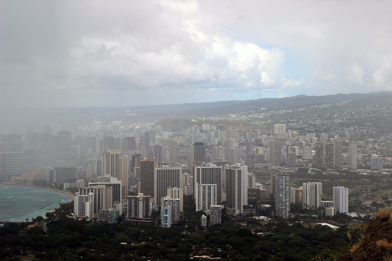 Free image: Fog over Honolulu